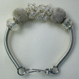 mo_sl_free_clr_bracelet_202016